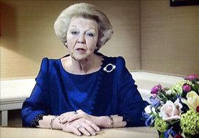 La monarca, a punto de cumplir 75 años, quiere dejar paso a 'una nueva generación'