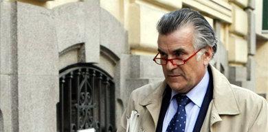 El abogado del extesorero Luis Bárcenas (en la imagen), confirma al juez que se ha beneficiado de la amnistía fiscal
