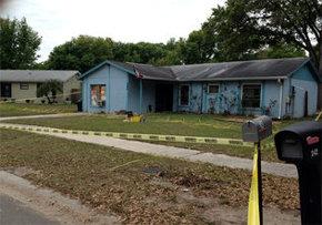 Un hombre es 'tragado' por un pozo formado en su casa de Tampa