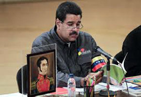 Nicolás Maduro recordó a Chávez al anunciar al nuevo Papa en Venezuela.