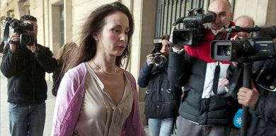 La juez que investiga los ERE irregulares en Andalucía, Mercedes Alaya, a su llegada a los juzgados de Sevilla. EFE/Archivo