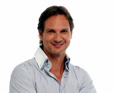 Javier C�rdenas, presentador del espacio �Lev�ntate y C�rdenas�, de Europa FM / Foto: europafm