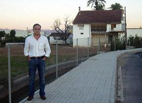 Esteban González-Pons 'señalando' a todos el domicilio de Teresa Fernández de la Vega en Valencia