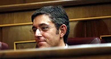 Eduardo Madina en su escaño en el Congreso de los Diputados. (Foto: PSOE)