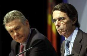 Aznar dice sobre la entrevista entre Rajoy y González que 'fenomenal todo'