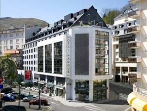 Dos de los mejores hoteles de Lourdes suben de categoría pero mantienen los precios