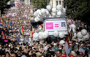 Imagen de la tradicional manifestación del Orgullo gay del año 2012.