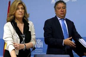 Los secretarios de Estado de Empleo, Engracia Hidalgo (i), y de Seguridad Social, Tomás Burgos (d) (EFE)