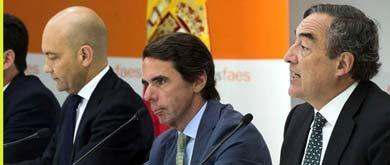 Aznar (c) en el seminario de la Fundación FAES (Efe)