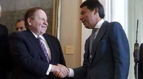 Sheldon Adelson (i) e Ignacio González, en una imagen de archivo