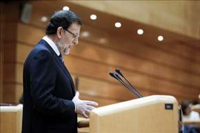 El presidente del Gobierno, Mariano Rajoy, dutante su comparecencia, que ha tenido que ser en el Senado por obra en el edificio del Congreso. EFE