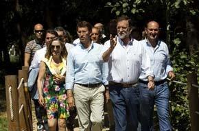 Mariano Rajoy con Ana Pastor y Alberto Núñez-Feijóo en Ponte Arnelas. (Foto PP)