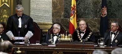 El fiscal general del Estado, Eduardo Torres-Dulce, junto al Rey, Gallardón y Moliner (Efe)