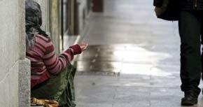El Ayuntamiento de Madrid multará a aquellos que practiquen la mendicidad. (EFE)