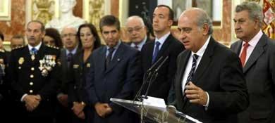 El ministro del Interior, Jorge Fernández Díaz, antes de entregar 22 cruces al mérito policial. (EFE)
