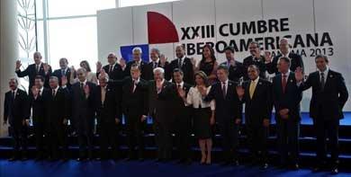 Vista general de la foto oficial de la XXIII Cumbre Iberoamericana de jefes de Estado y de Gobierno, en Ciudad de Panamá (Panamá). EFE