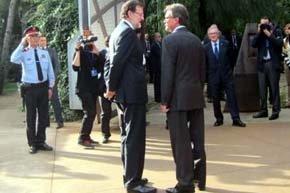 Frío saludo entre Mas y Rajoy a la entrada del I Foro Ecónomico del Mediterráneo occidental