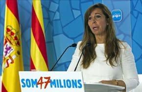 La presidenta del PPC, Alicia Sánchez-Camacho, en rueda de prensa en la sede del PP en Barcelona. EFE/Archivo