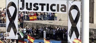 Escenario de la manifestación de las víctimas del terrorismo. (Efe)