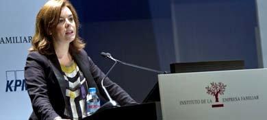 La vicepresidenta del Gobierno, Soraya Sáenz de Santamaría, durante la clausura del XVI Congreso de la Empresa Familiar. (EFE)