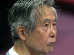 Fujimori en el juicio por la compra de la línea editorial de diarios sensacionalistas.