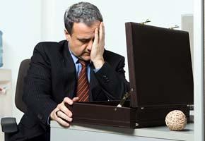 Las malas influencias en el trabajo pueden conducirnos a la depresión sin que nos demos cuenta. (Corbis)