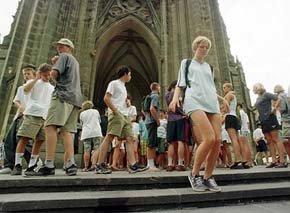 Los turistas son clientes, no criminales, recuerda el Consejo Mundial de Viajes y Turismo a los gobiernos