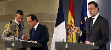 El presidente del Gobierno, Mariano Rajoy (d), y el presidente francés, François Hollande (2i). (EFE)