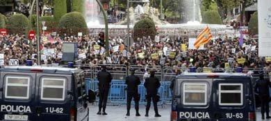 Protestas en Madrid, junto al Congreso de los Diputados (EFE)