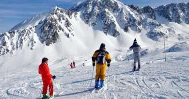 Los Pirineos franceses se visten de blanco, de deporte, de fiesta...
