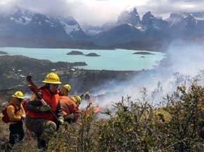 Instalan cámaras de seguridad en Torres del Paine para prevenir incendios