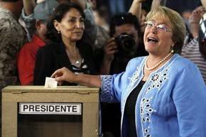 Bachelet anuncia la apertura de 'una nueva etapa' en Chile tras su victoria electoral