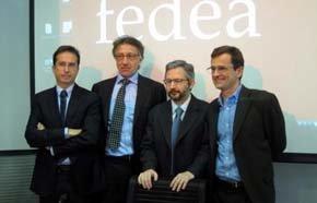 Equipo de investigadores de Fedea con el director ejecutivo del instituto, Michele Boldrin (segundo por la izquierda).