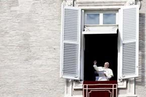 El Papa insta a que no se anuncie el Evangelio 'a bastonazos inquisitorios'