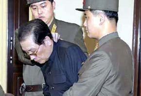 Corea del Norte ejecuta al poderoso tío de Kim Jong-un (Efe)