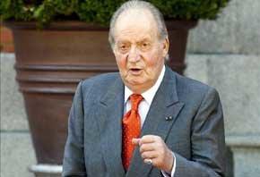 Fotografía de archivo del rey Juan Carlos en el Palacio de la Zarzuela, en Madrid. EFE/Archivo