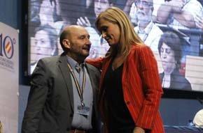 Sánchez Fornet, junto a Cristina Cifuentes, delegada del Gobierno, en el último congreso del SUP.