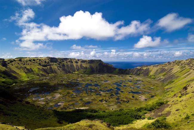 Conaf Isla de Pascua inaugura nuevas áreas de servicios en volcán Rano Raraku