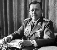 Treinta y cinco años llevaba en el poder el general Alfredo Stroessner cuando fue depuesto el 3 de febrero de 1989