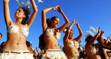 Fiesta Tapati Rapanui reúne a isleños y turistas para revivir sus tradiciones