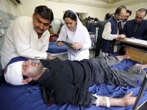 La bomba explotó cuando el convoy pasaba por la provincia de Khyber Pakhtunkhwa, dejando 11 muertos y 10 heridos.