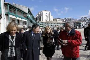 El presidente de la Comunidad de Madrid, Ignacio González, presentó la guía turística de las Villas de Madrid