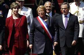 Michelle Bachelet es investida presidenta de Chile