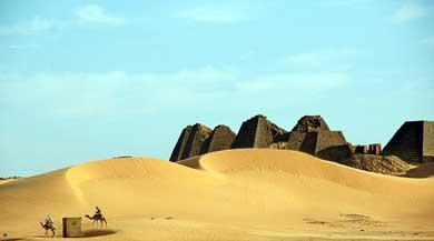Las Pirámides negras de Meroe, Sudán