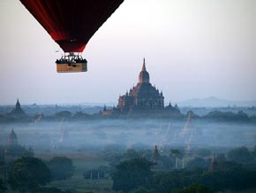 Sobrevolar en globo los 13.000 templos, La Tierra Dorada de Birmania