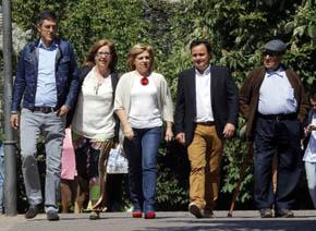 Los ciudadanos de Torrejón increpan a Valenciano: '¡No vengáis aquí sólo a haceros la foto!'