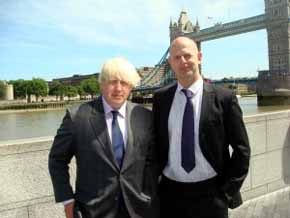 Boris Johnson y Tim Briggs