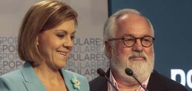 Cañete y  Cospedal anunciando los resultados de las eleccioens este domingo en la sede del PP