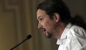El portavoz de Podemos, Pablo Iglesias, este lunes, durante su intervención en un desayuno informativo en Madrid, organizado por el Forum Europa.