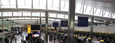 Vista de la nueva Terminal 2 del aeropuerto londinense de Heathrow en Londres